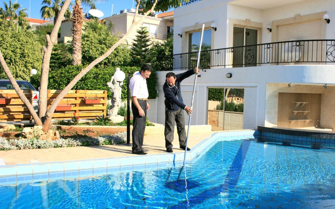 Choosing the #1 Pool Cleaning in Calabasas Pool