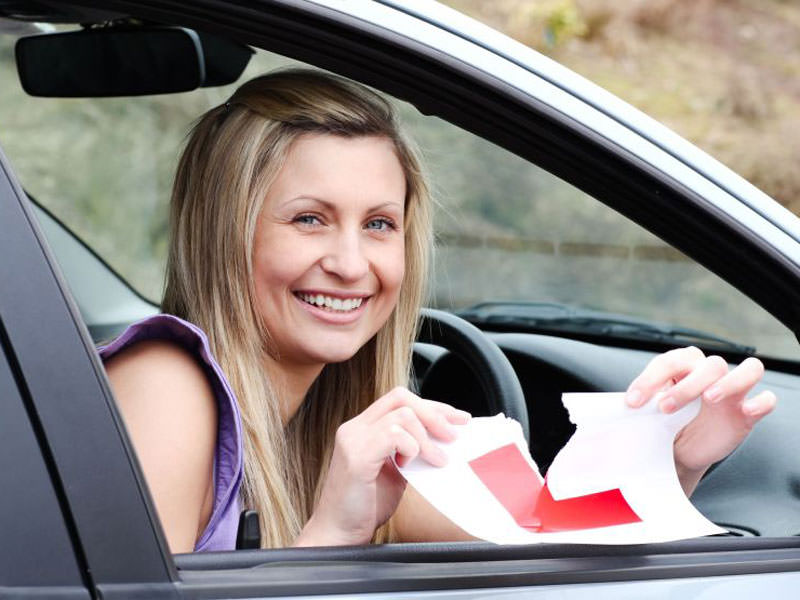 What to Look for in a Driving School